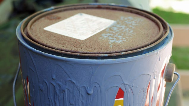 How to Tell When Old Paint Has Gone Bad
