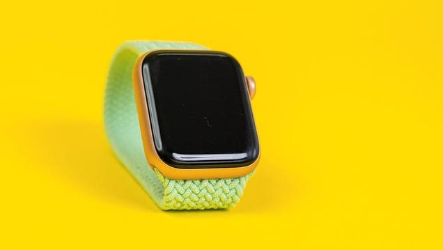How to Download the watchOS 8 Public Beta