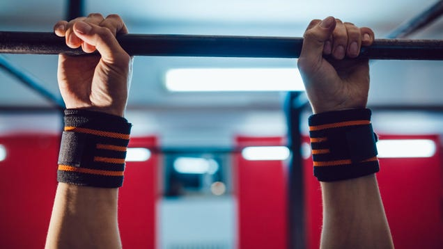 How to Do Pullups With a Squat Rack
